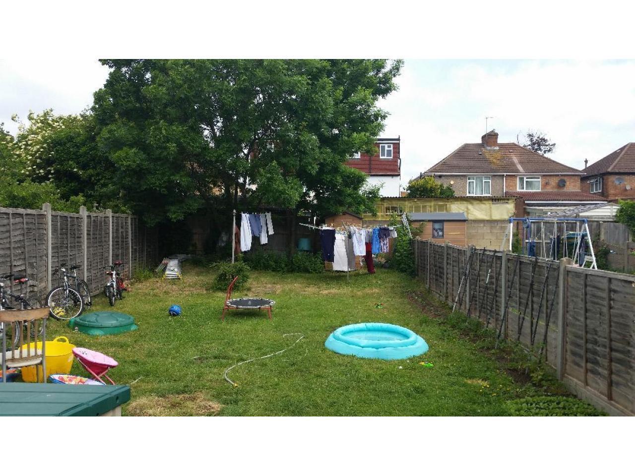 Сдаем  Double Room Hounslow  TW3 4AW £115 в неделю - 1