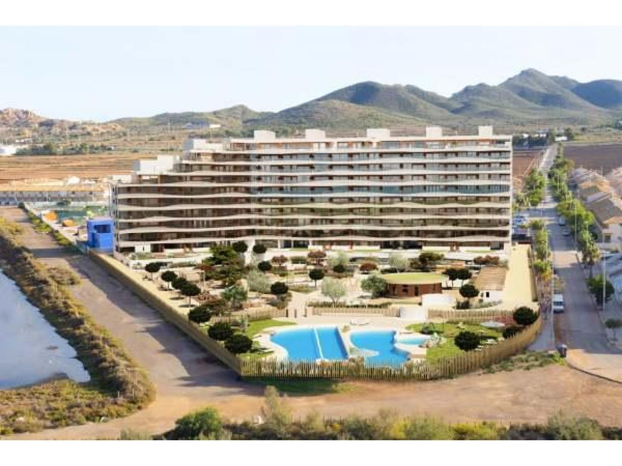 Недвижимость в Испании, Новые квартиры на первой линии пляжа от застройщика в Ла Манга - 9