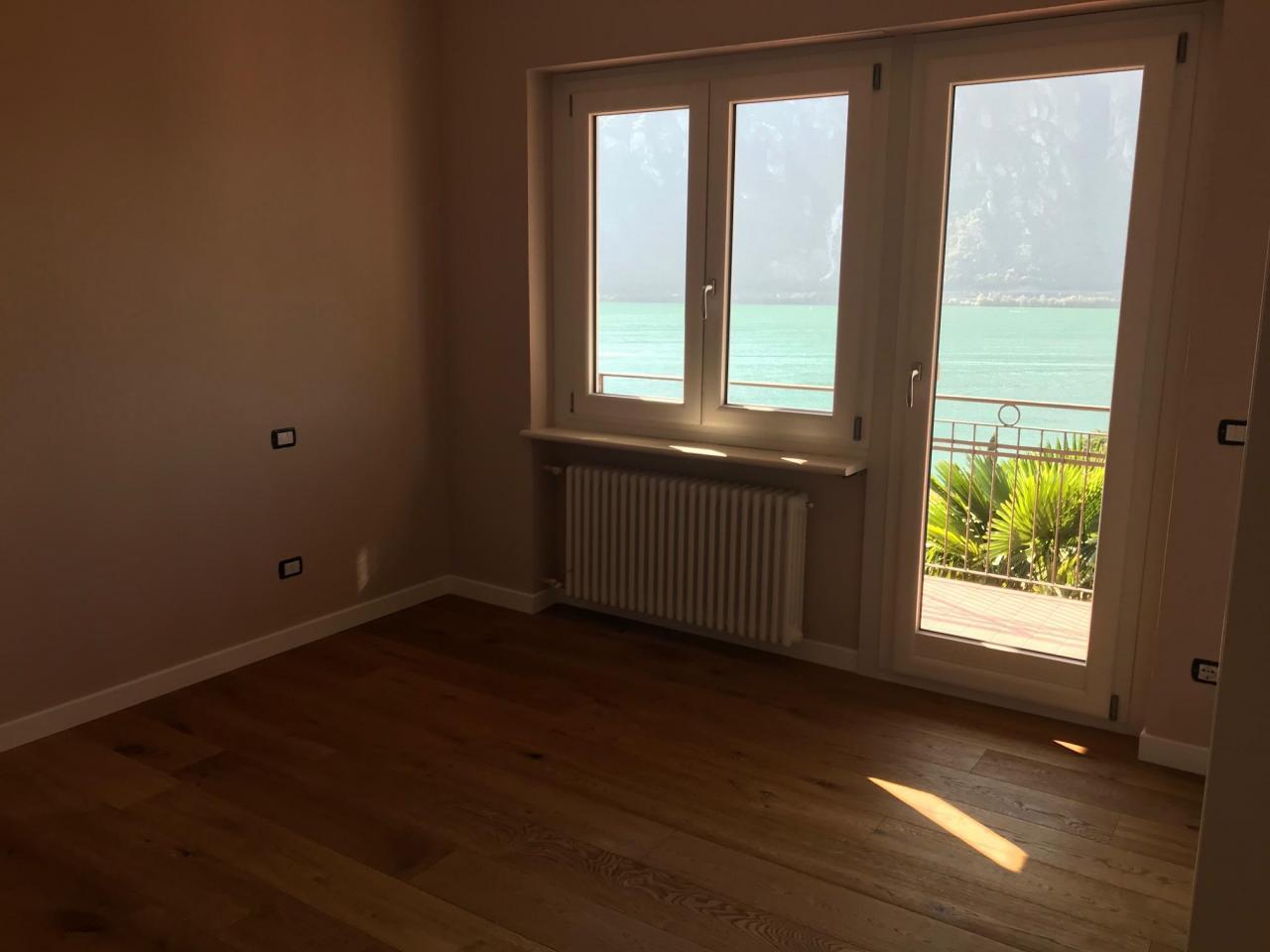 Продастся новая квартира 4х комнатная в Кампионе д Италия на озере Лугано - 3