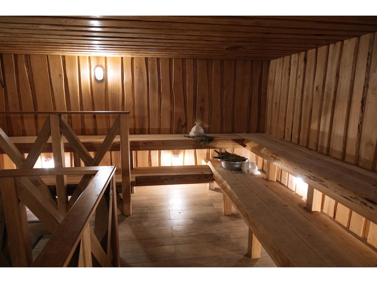 Требуются массажисты в банный комплекс в Лондоне, район станции Втктория - 1