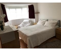 Сдается просторная, светлая double комната для одного. - Image 2