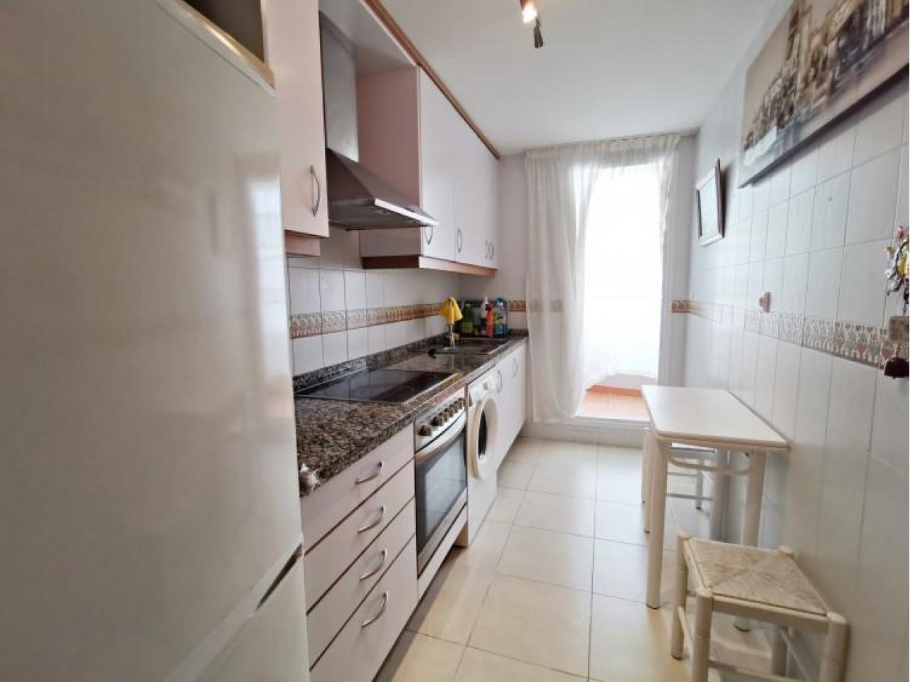 Прекрасная квартира возле моря в Бенидорме, Испания - 7