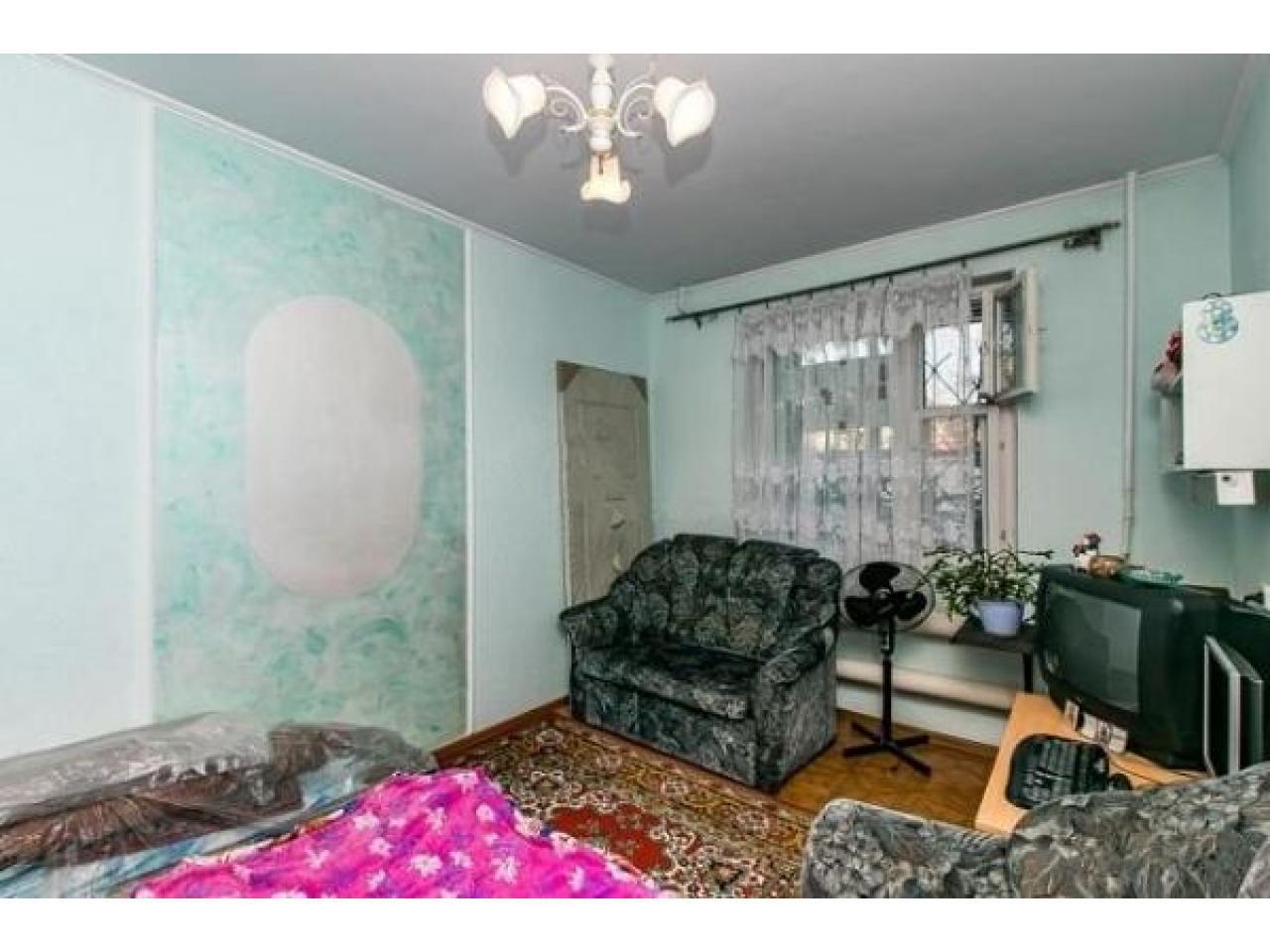 Продам 2 к - квартиру 54 кв.м  Россия - 3
