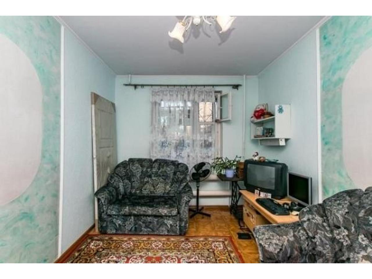 Продам 2 к - квартиру 54 кв.м  Россия - 4