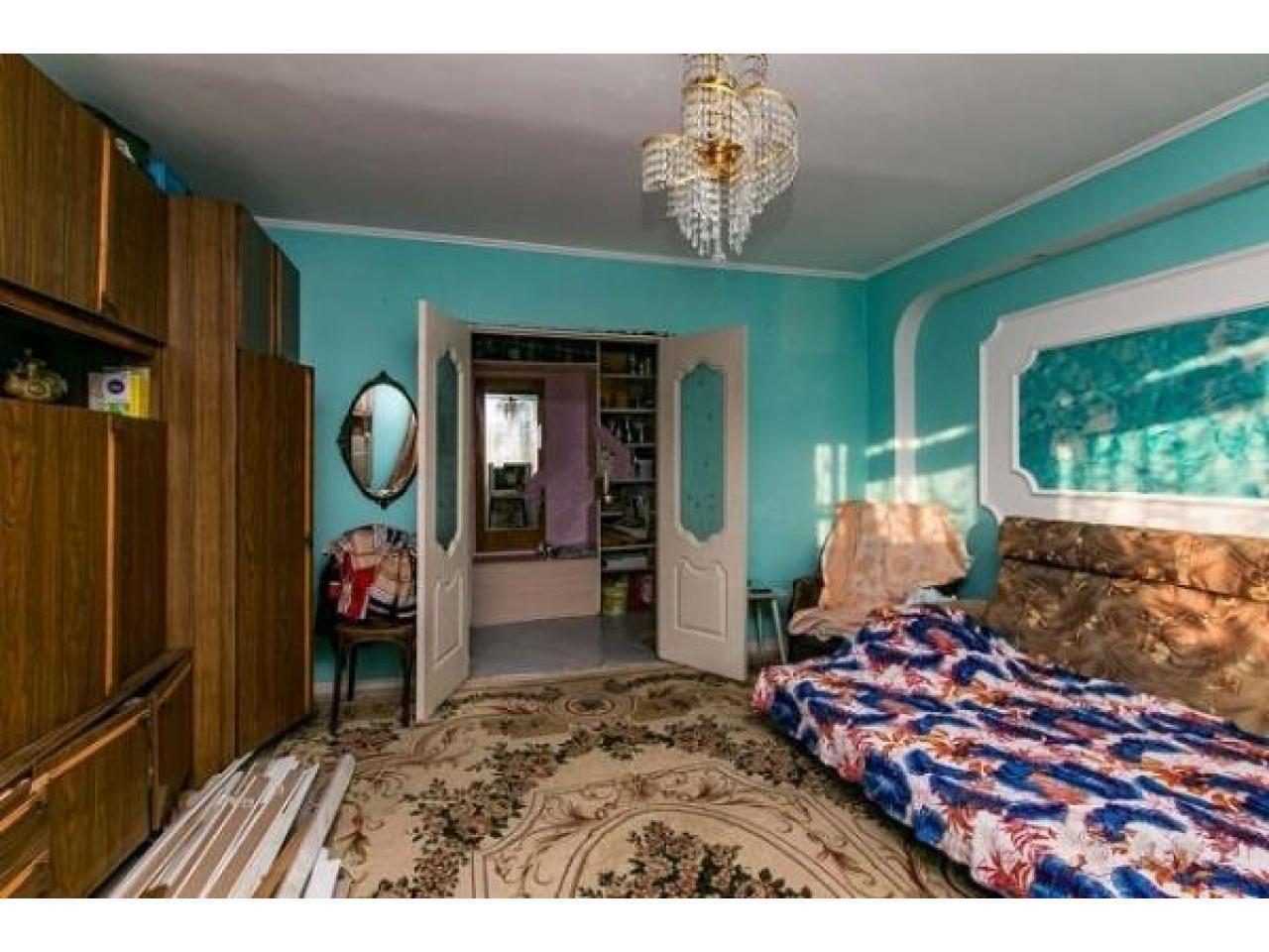 Продам 2 к - квартиру 54 кв.м  Россия - 6