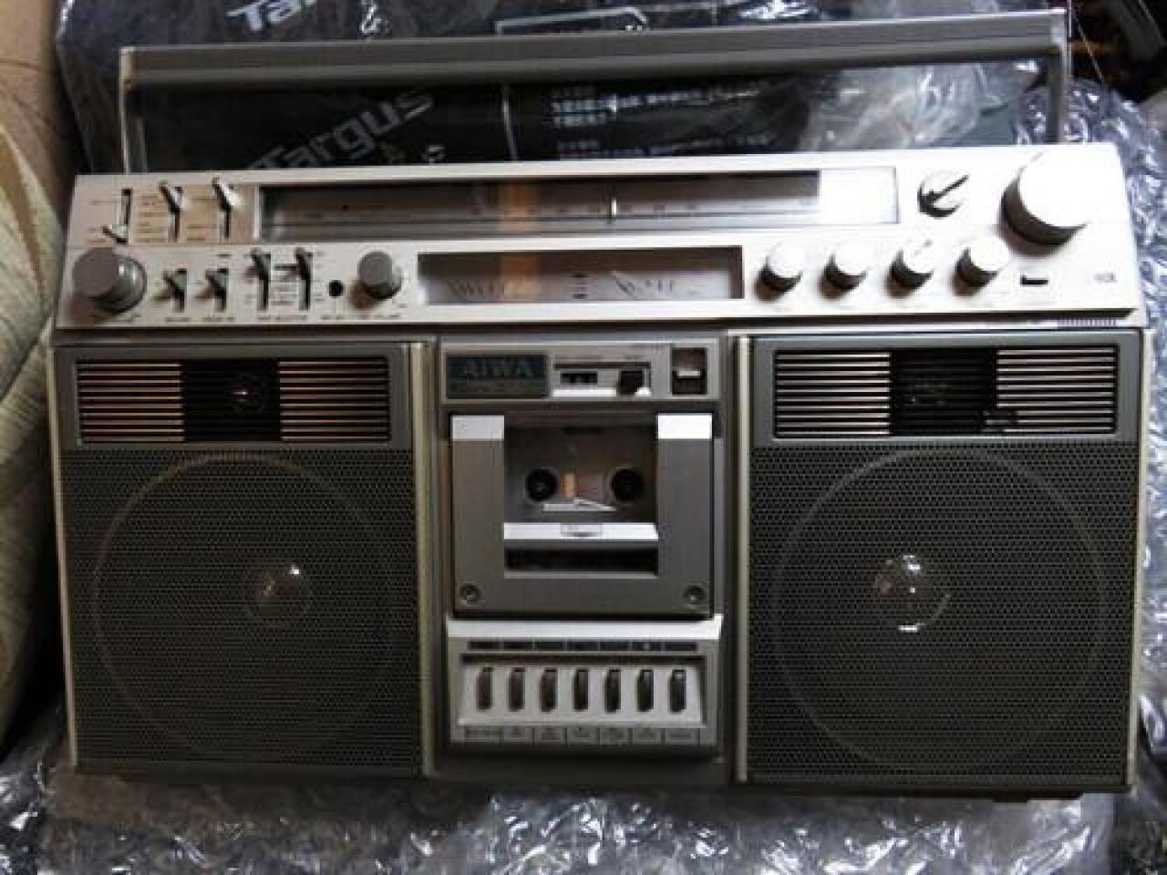 ищу аудио специалиста по ремонту винтжных японских кассетных магнитол - 1
