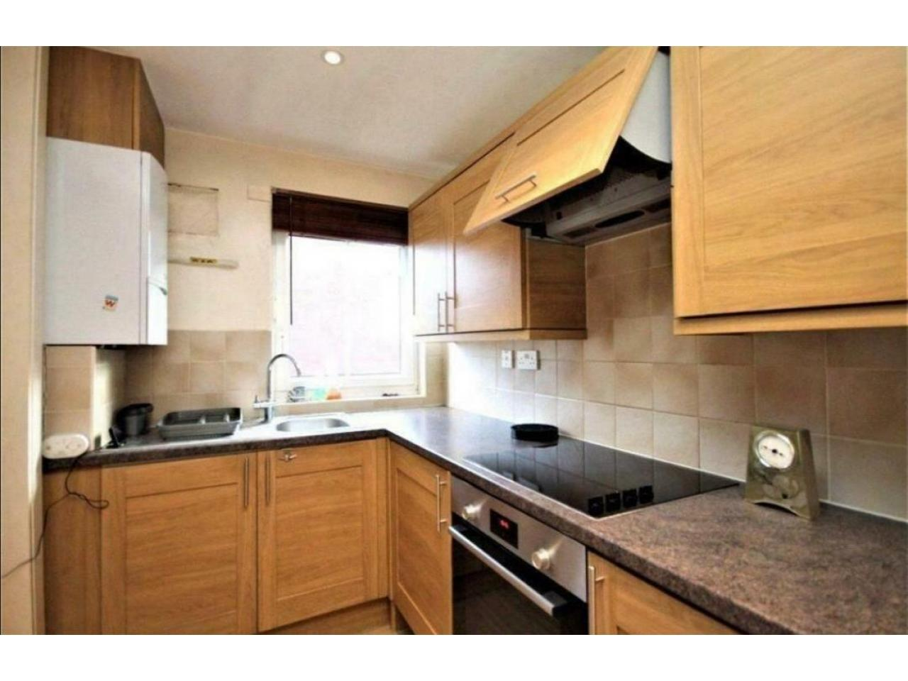 2 Bedroom in Chiswick ~ For Rent ~ - 3