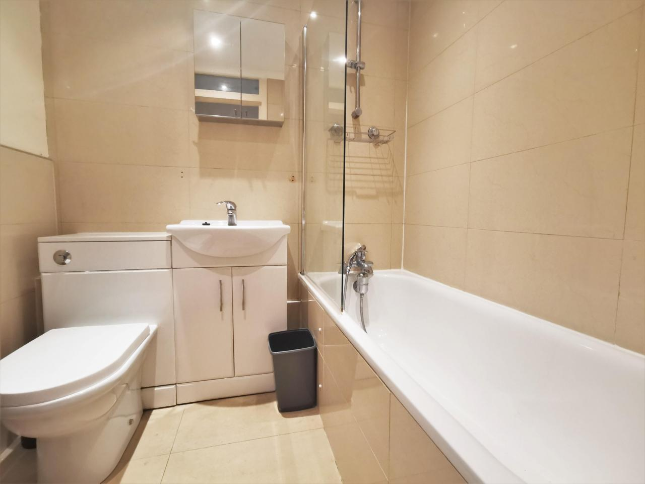2 Bedroom in Chiswick ~ For Rent ~ - 4