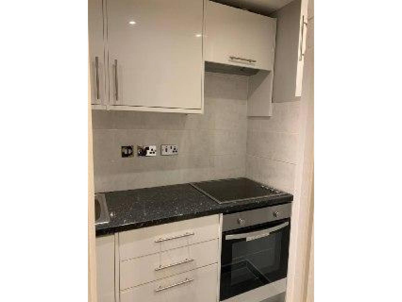 One bedroom in Oxford street - 4