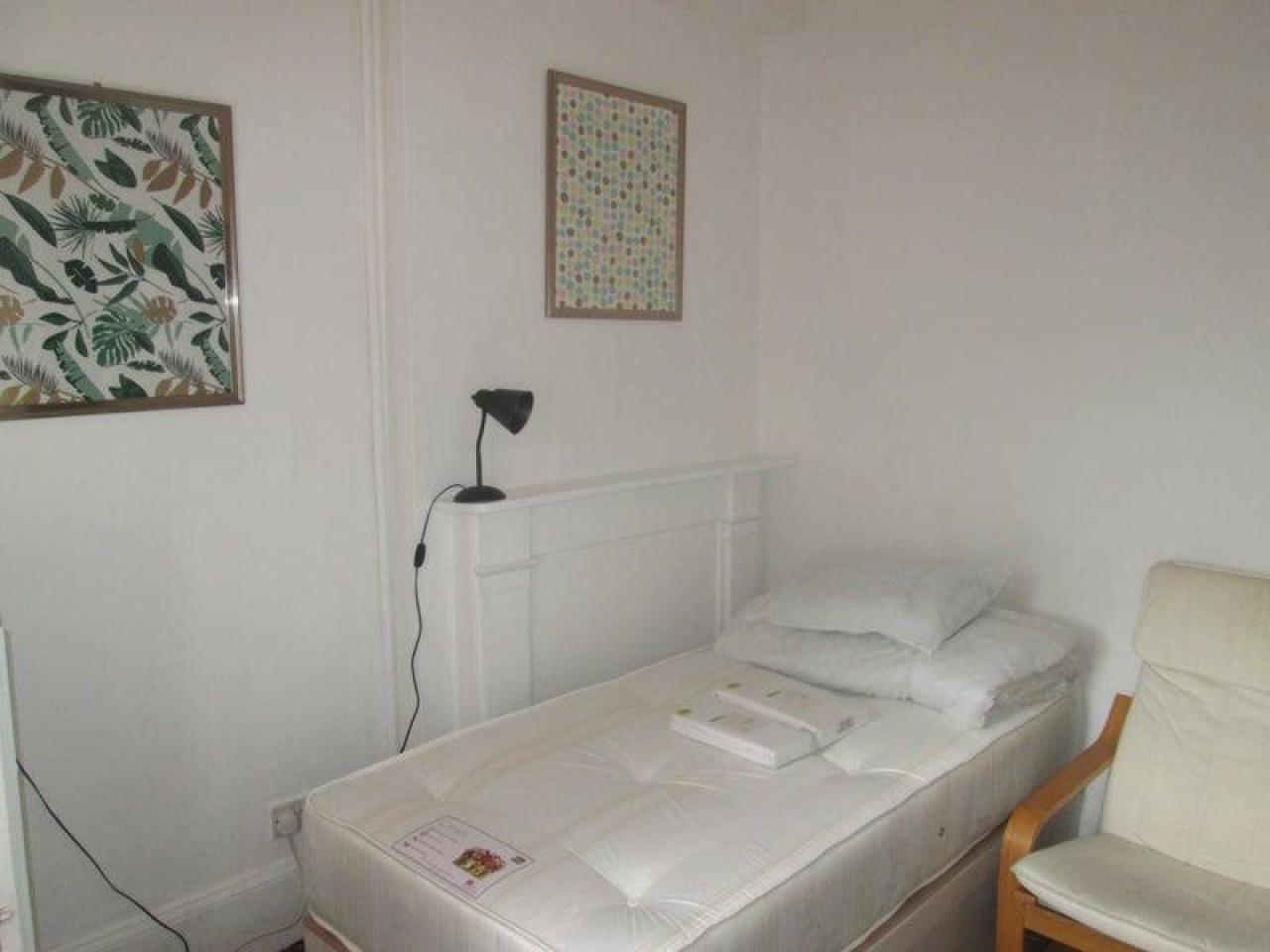 £135 p/w комната - 1