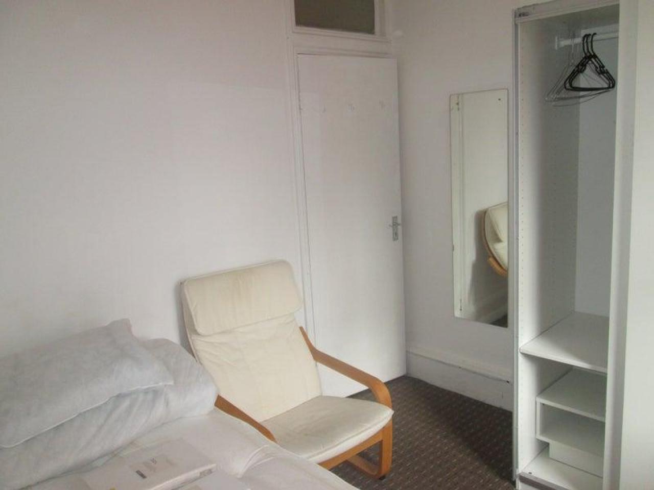 £135 p/w комната - 3