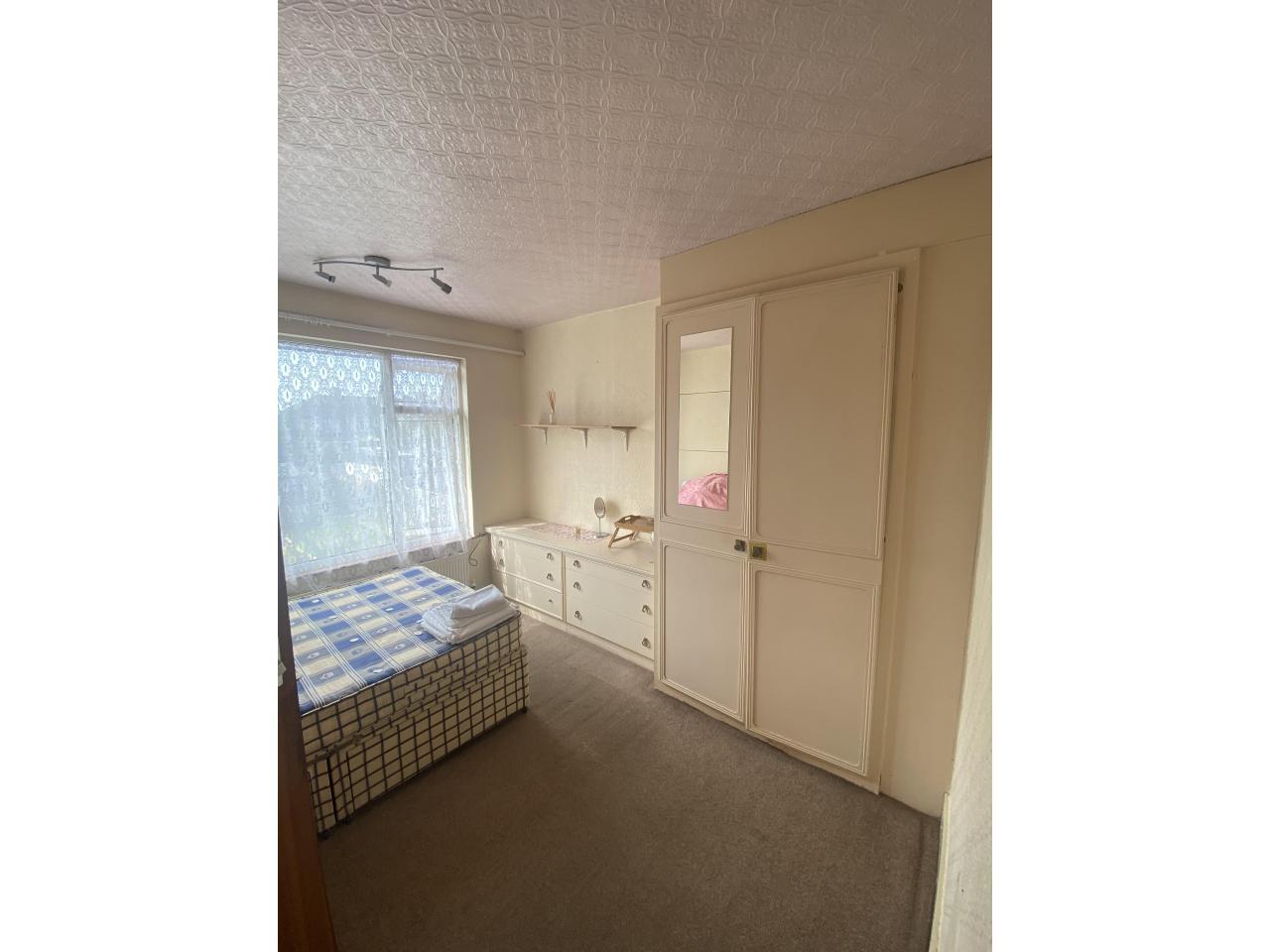 Большая комната Е4 - 1