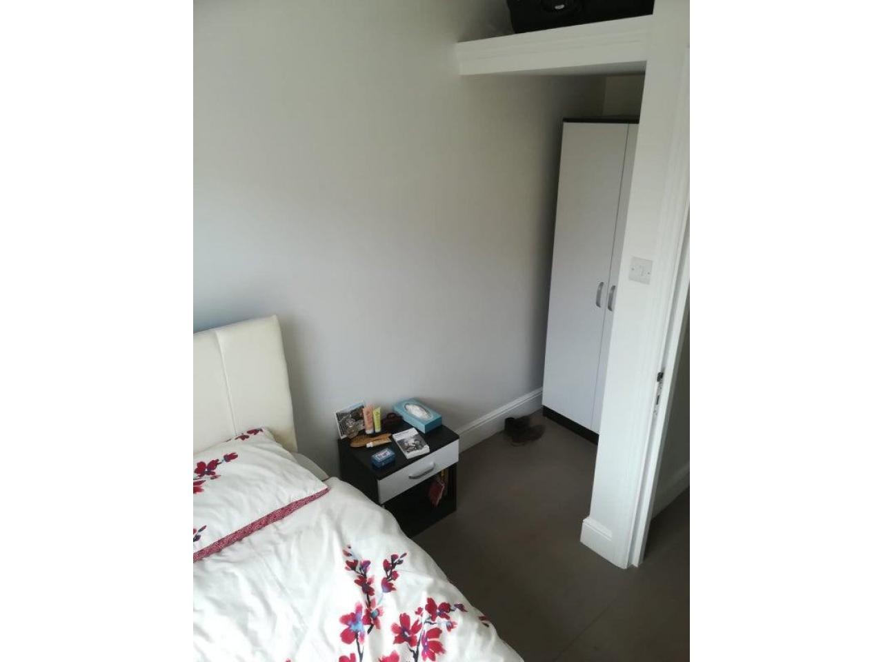 South Kensington single room - 4