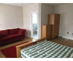 Double room NW10 - Image 1