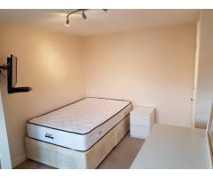 Double room Dagenham - Image 2