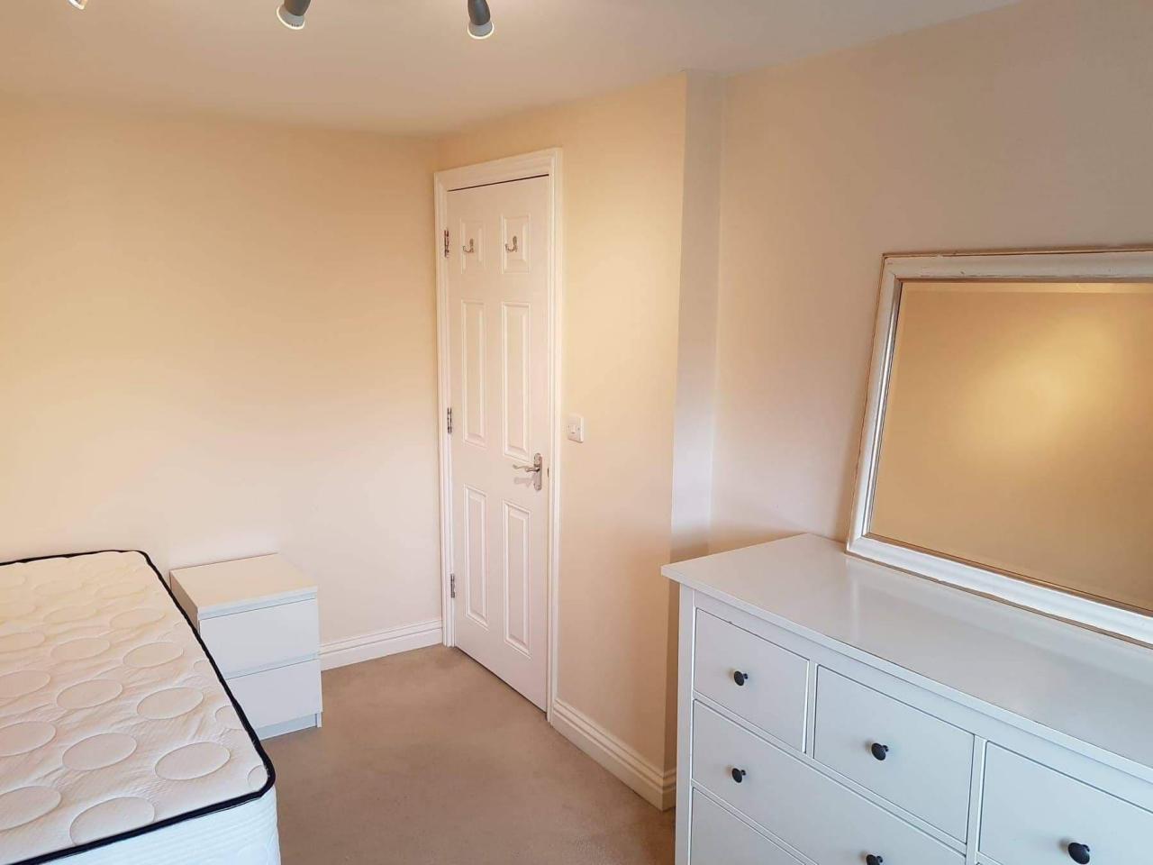 Double room Dagenham - 4