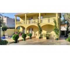 Черногория дом с бассейном - Image 1
