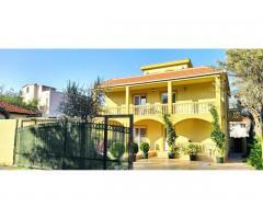 Черногория дом с бассейном - Image 2