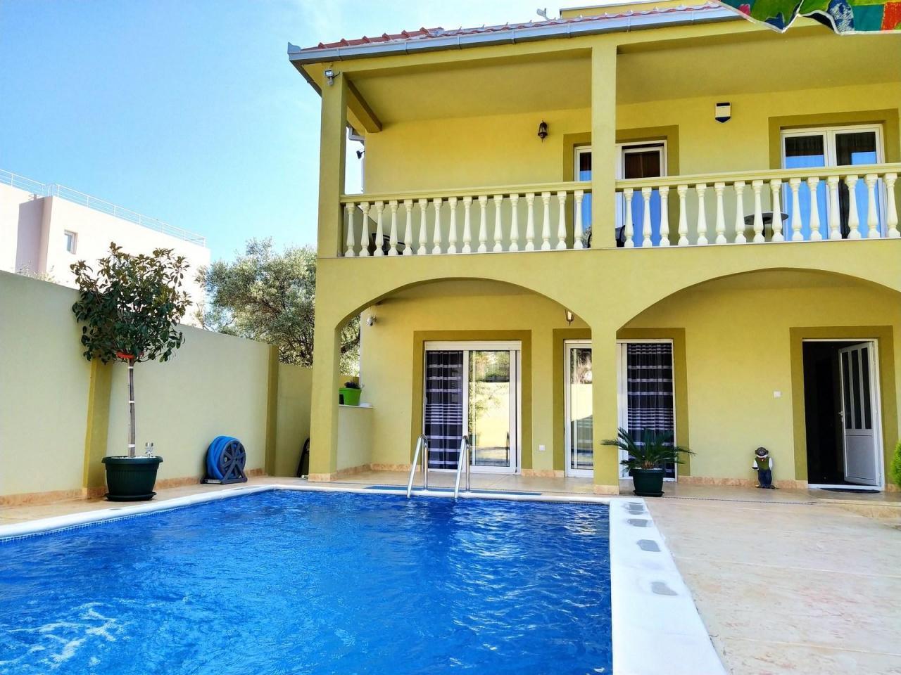 Черногория дом с бассейном - 4