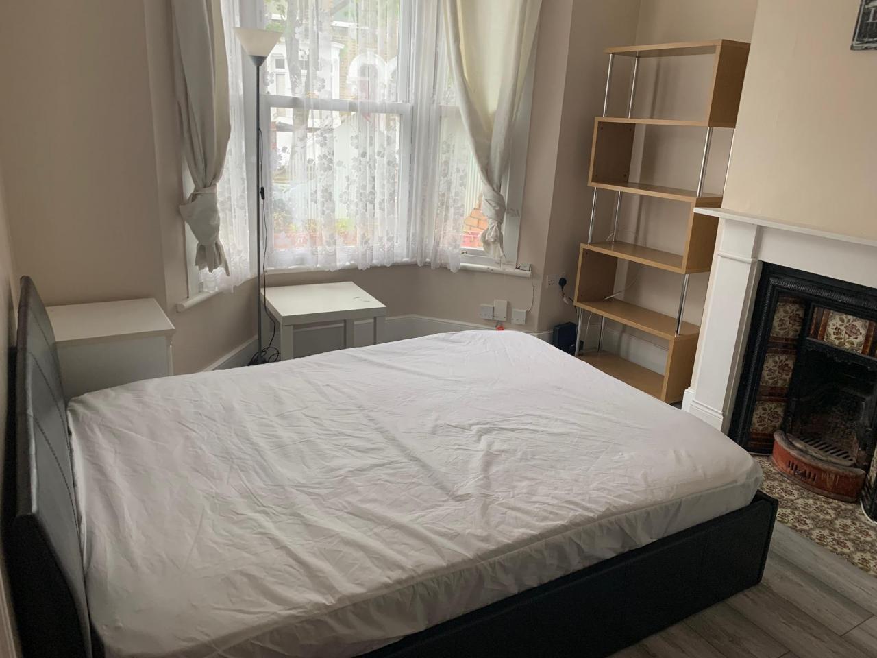 Большая double room на Wanstead - 1