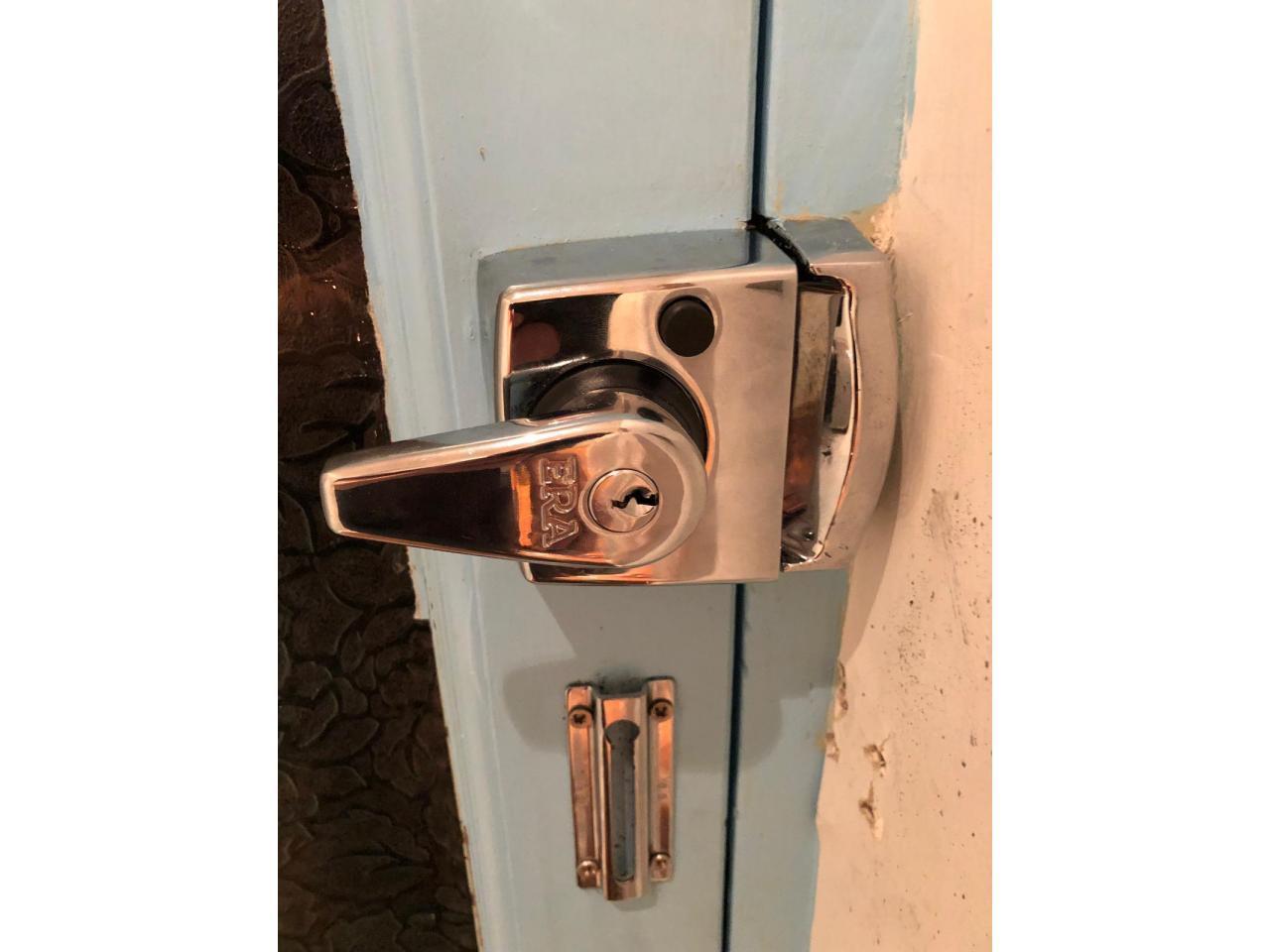 Locksmith Services - 9