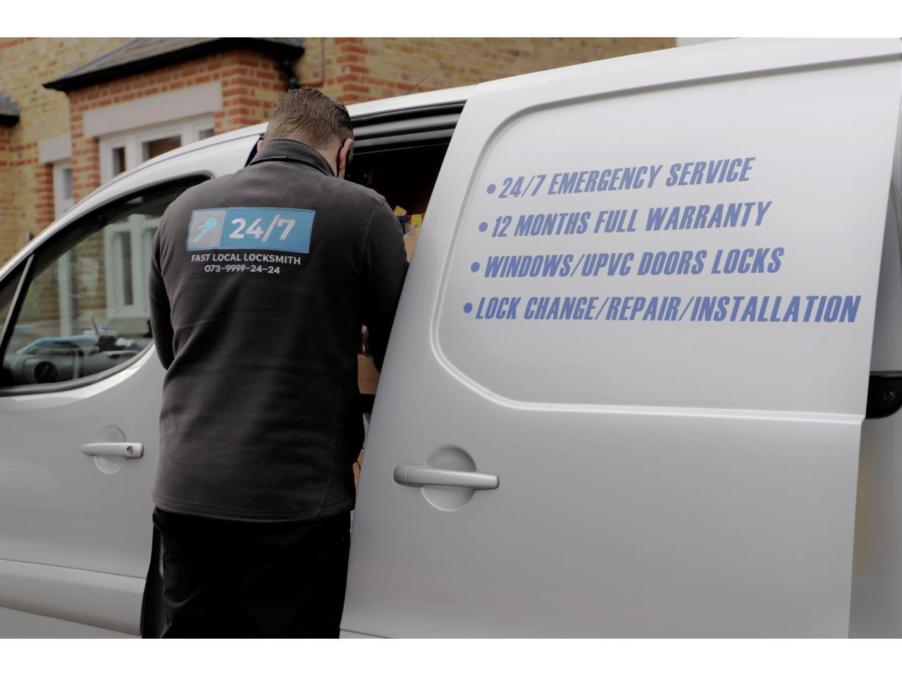 Locksmith Services Аварийная служба, открытия и при необходимости замена замков - 3