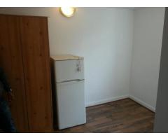 6 Studio Flats, Aldsworth Rd, Stratford, E15 1 000 £ — Available 20th July - Image 3