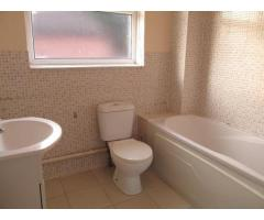 3 Bed House, Trader Road, E6 1 600 £ — Available 1st August 2015 - Image 2