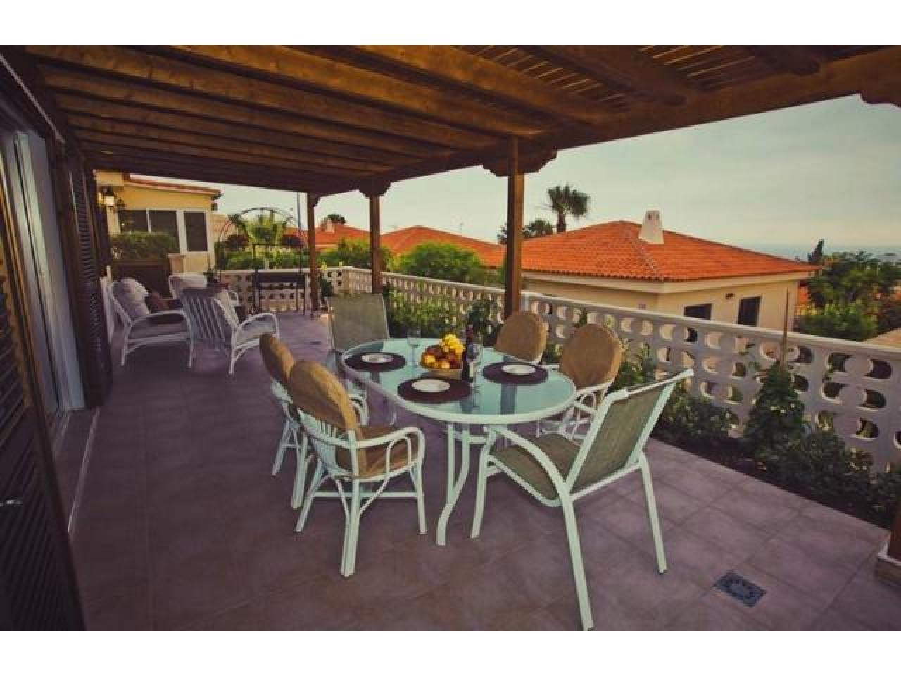 Spacious villa with views of the Atlantic Ocean. - 2