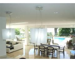 Super luxury Villa - Image 1