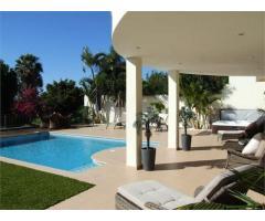 Super luxury Villa - Image 3