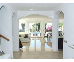 Super luxury Villa - Image 9