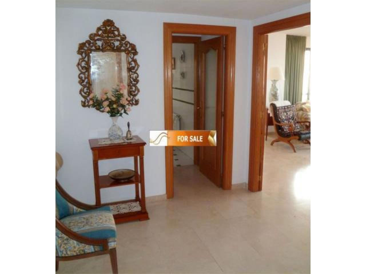 Продажа прекрасных апартаментов на 1 линии моря в Бенидорме - 6