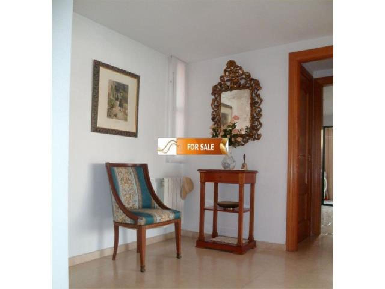 Продажа прекрасных апартаментов на 1 линии моря в Бенидорме - 8