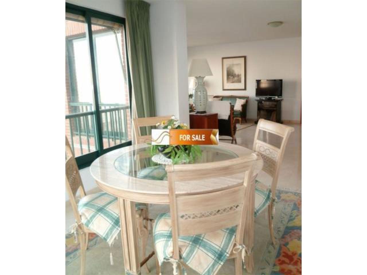 Продажа прекрасных апартаментов на 1 линии моря в Бенидорме - 11