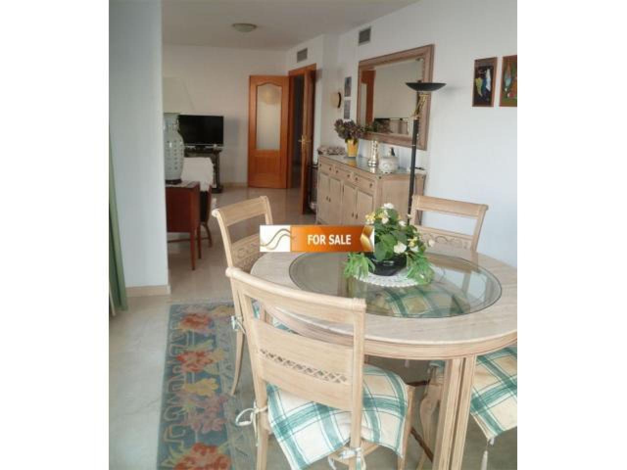 Продажа прекрасных апартаментов на 1 линии моря в Бенидорме - 12