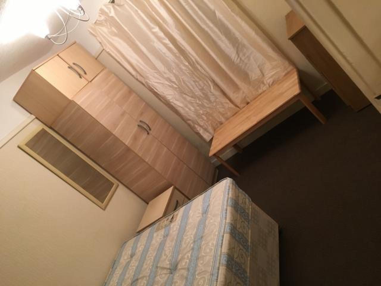 Сдаю большой дабл в уютном, тихом, чистом доме с мебелью - 1