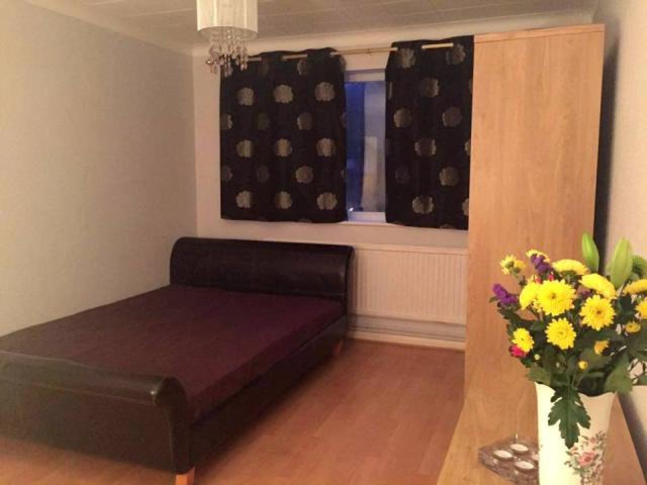 Сдается замечательная двухместная комната в Eltham. ВСЕ СЧЕТА ВКЛЮЧЕНЫ. - 1