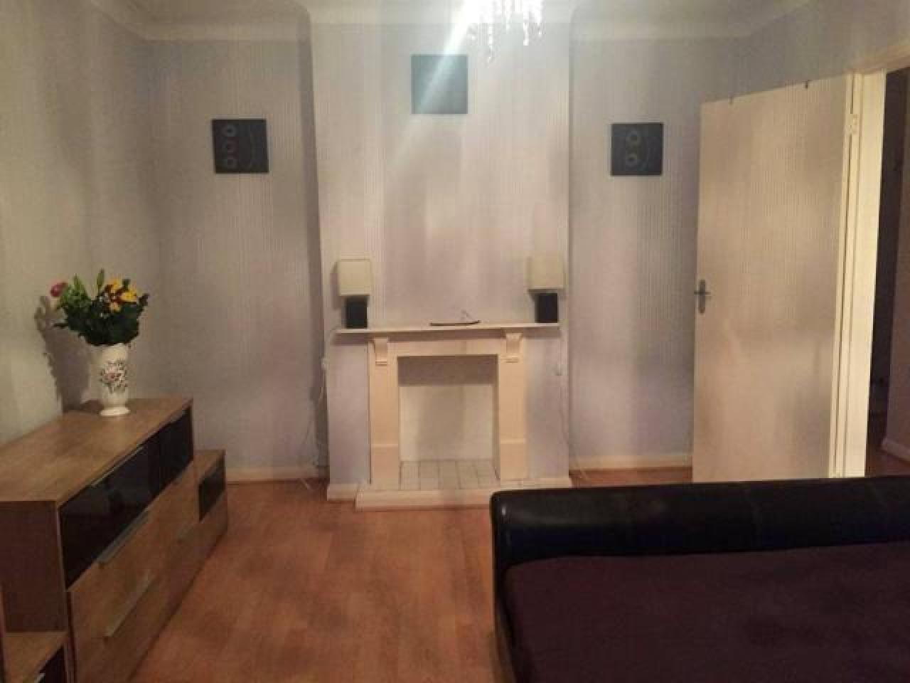 Сдается замечательная двухместная комната в Eltham. ВСЕ СЧЕТА ВКЛЮЧЕНЫ. - 4