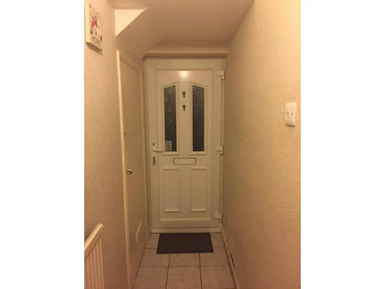 Сдается замечательная двухместная комната в Eltham. ВСЕ СЧЕТА ВКЛЮЧЕНЫ. - 12
