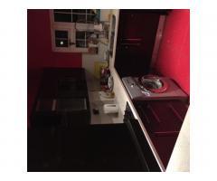Cдаю single комнатy хорошем доме в PLAISTOW и REDBRIDGE station