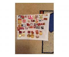 коллекция значков с изображением в.и.ленина
