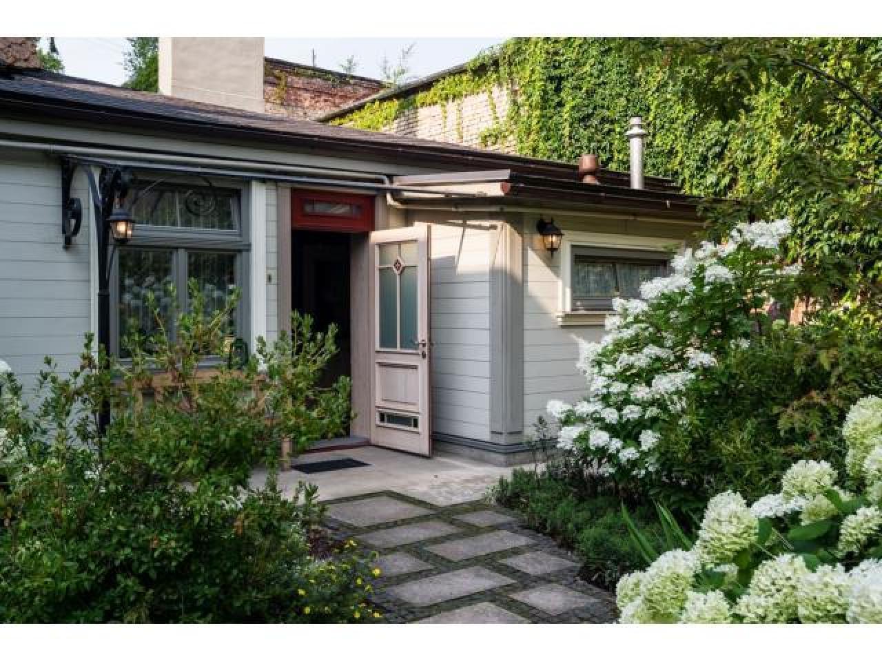 Часть дома с абсолютной атмосферой конфиденциальности в сердцевине Риге. - 2