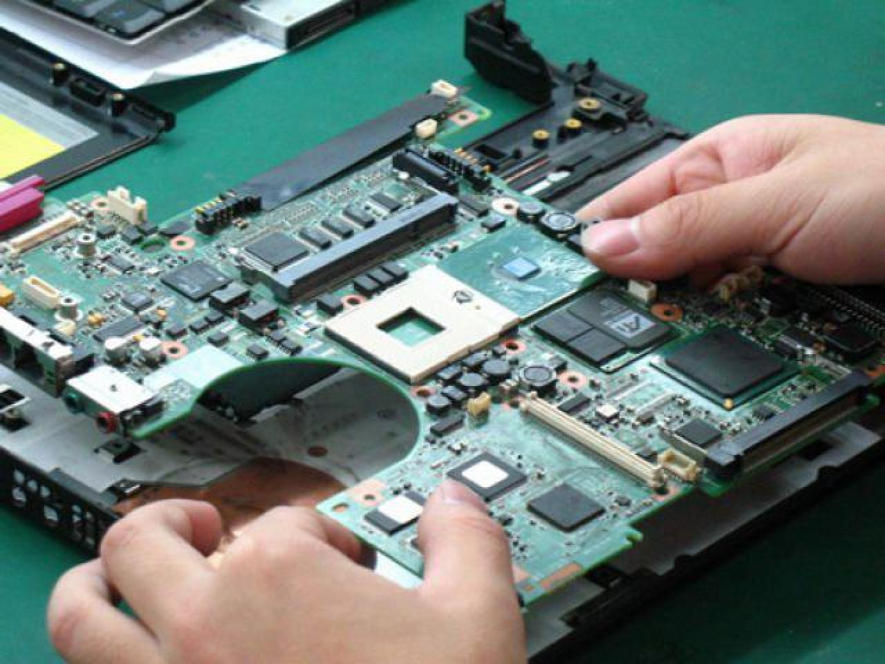 Ремонт компьютеров,ноутбуков,macbook,imac,ребоулинг и замена видео чипов,снятие паролей.Ремонт lcd,п - 1