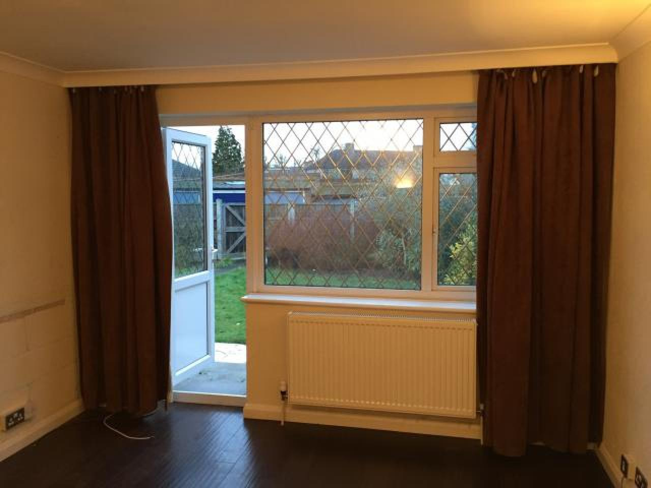 2 bedroom flat for rent in Collier Row,Romford - 5