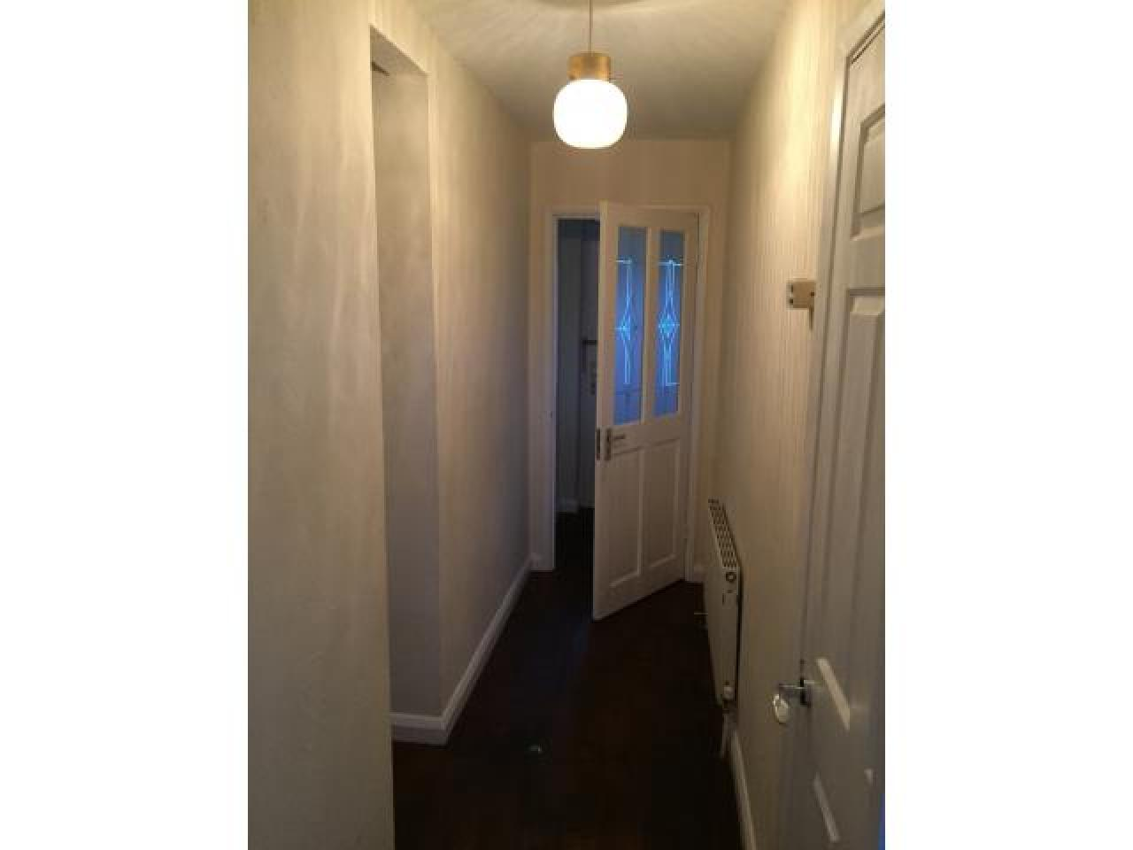 2 bedroom flat for rent in Collier Row,Romford - 7