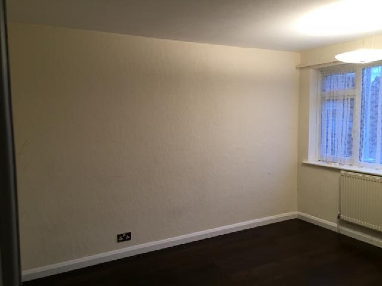 2 bedroom flat for rent in Collier Row,Romford - 8