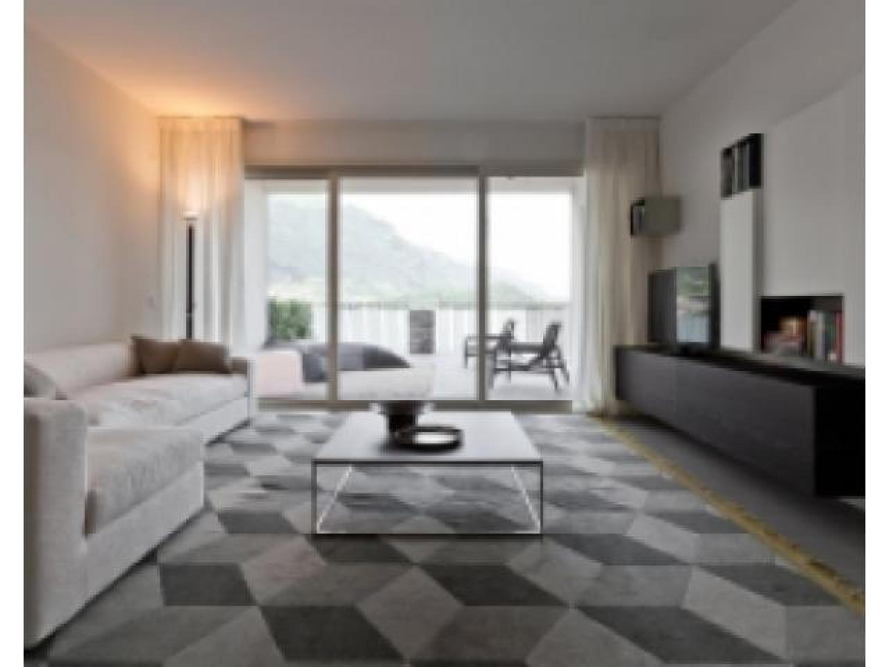 Трехкомнатные апартаменты на первой линии озера Комо (Италия) - 1