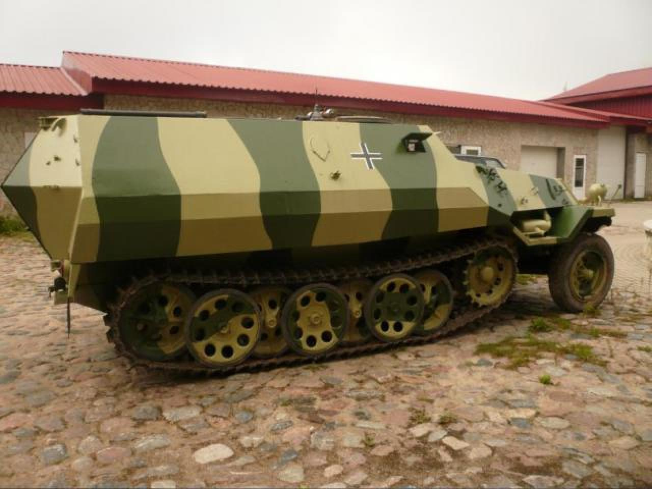 Sale armored car From-810 ( Sd Kfz 251 ) - 2