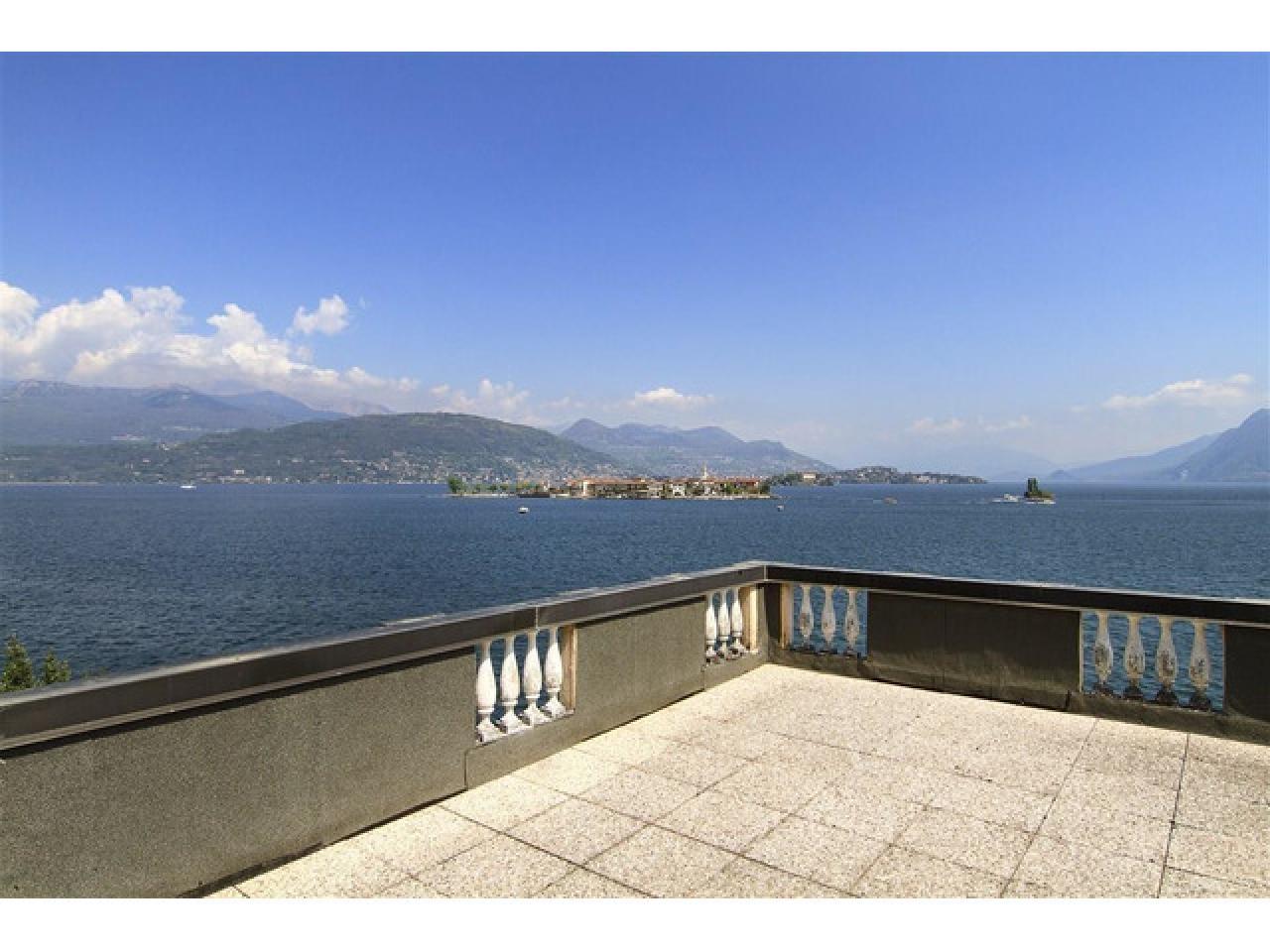 Вилла в Бавено (Италия) на озере Маджоре - 6